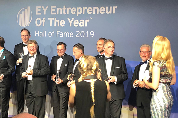 va-Q-tec's Founder and CEO is awarded Entrepreneur of the Year